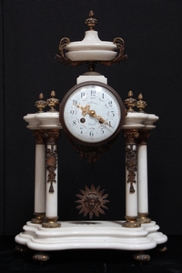 19TH CENTURY LOUIS 16 MARBLE AND BRONZE CLOCK