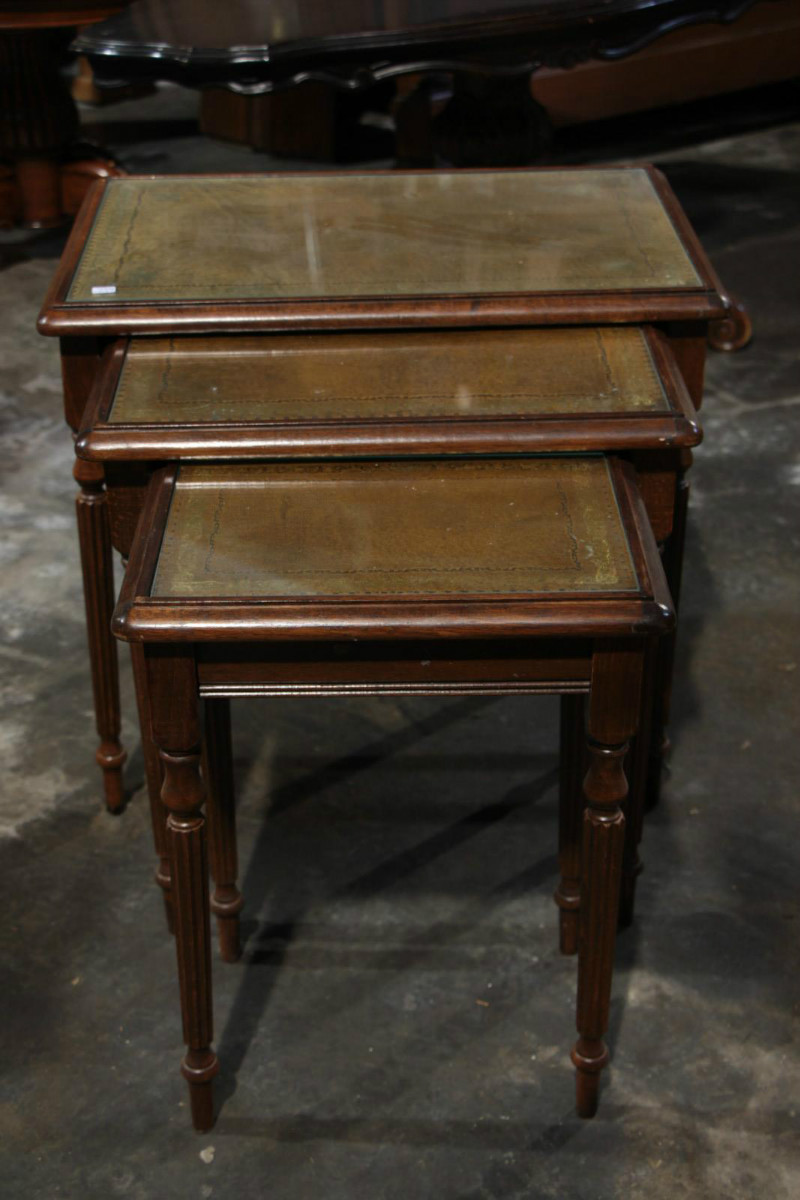 English leather nest of table table houtroos for England table