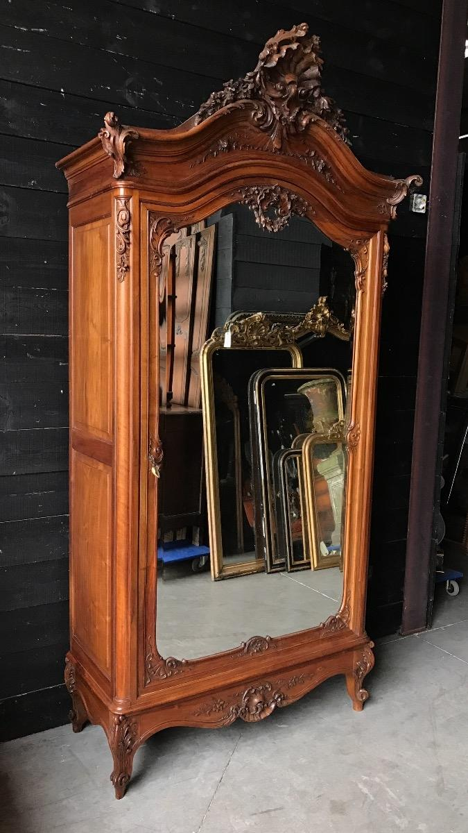 Antiques Furnitures Import & Export