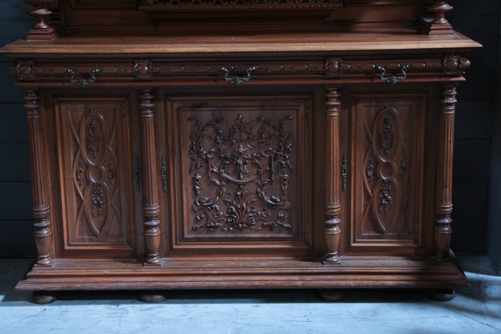 Walnut carved french deux corps furniture antiques